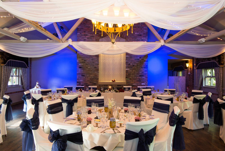 bartle-hall-wedding-photographs-26.jpg