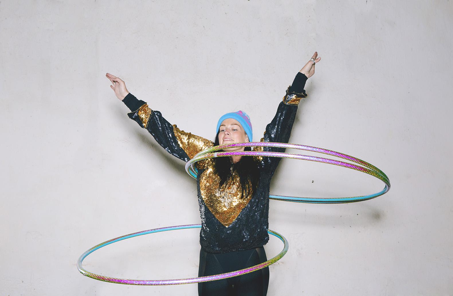 Hula hooping tori