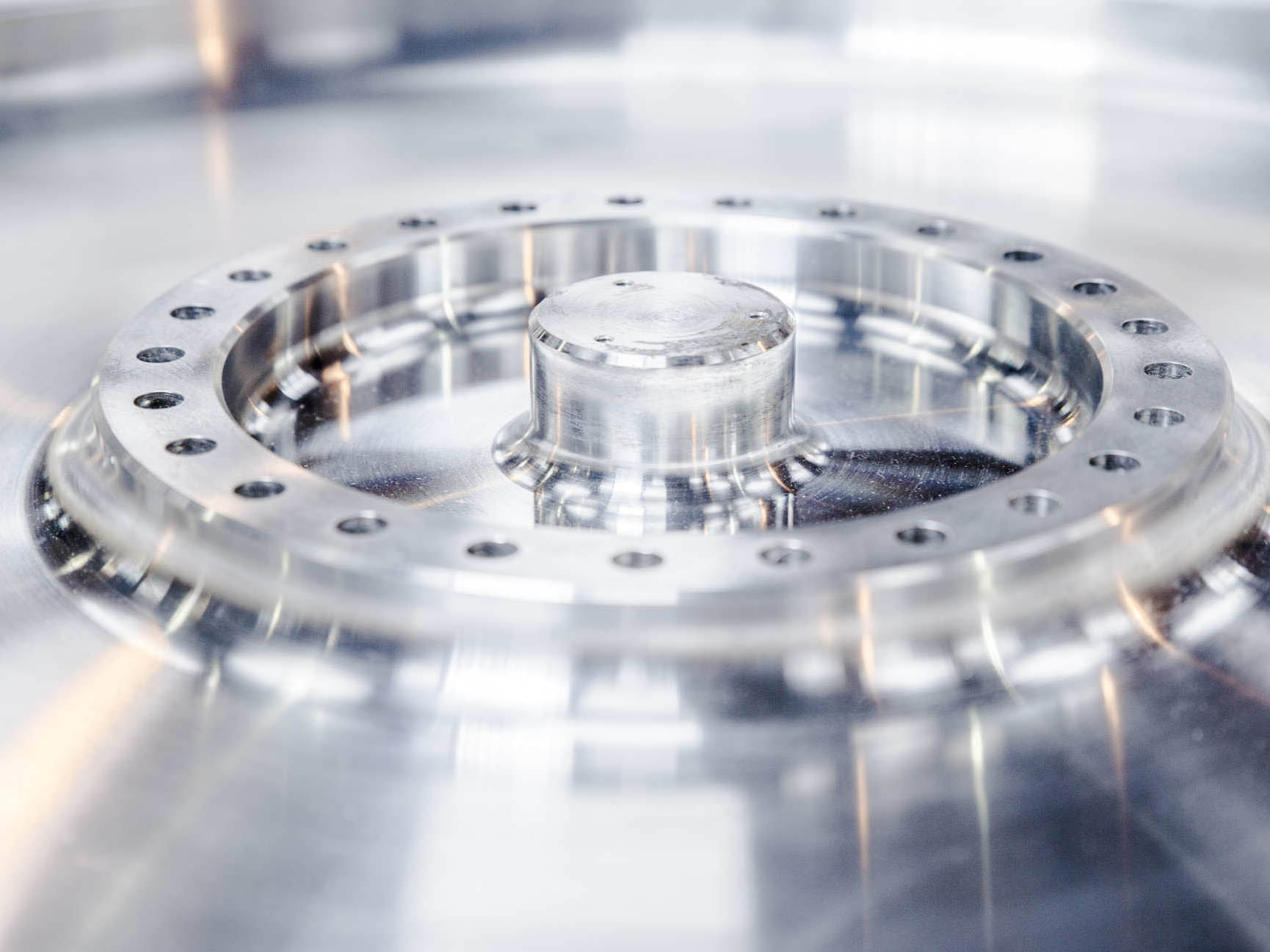 Forged solid aluminium wheel