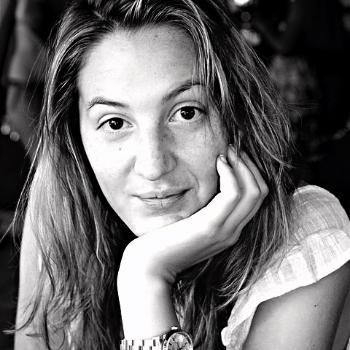 Céline Gaudry   Née en France, cinéphile et cinéaste, Céline est diplômée de l'Université Sorbonne Paris IV, d'une licence et d'un master en lettres modernes appliquées à l'audiovisuel et, en parallèle, d'un diplôme de production de l'ESEC à Paris. Enfin, elle obtient son master en bourse d'échange internationale dans le programme de production de films de l'Université California State Northridge, USA. Elle écrit, réalise et produit plusieurs courts-métrages et documentaires sélectionnés en Festivals. Ainsi, elle travaille pour des sociétés de production de fiction à Paris, New York et Los Angeles comme assistante réalisatrice et photographe.  Fin 2013, elle créée  GREAT PICTURES PRODUCTIONS  avec sa collaboratrice Marie Prezioso.     NOS PHOTOGRAPHES    Adnan Farzat photographe reporter  http://adnanfarzat.com/   Céline Gaudry productrice scénariste réalisatrice photographe assistante réalisatrice  http://www.celinegaudry.com/   NOS VIDEASTES    Lucas Bravo comédien model vidéaste réalisateur monteur  https://vimeo.com/greatpicturesprod