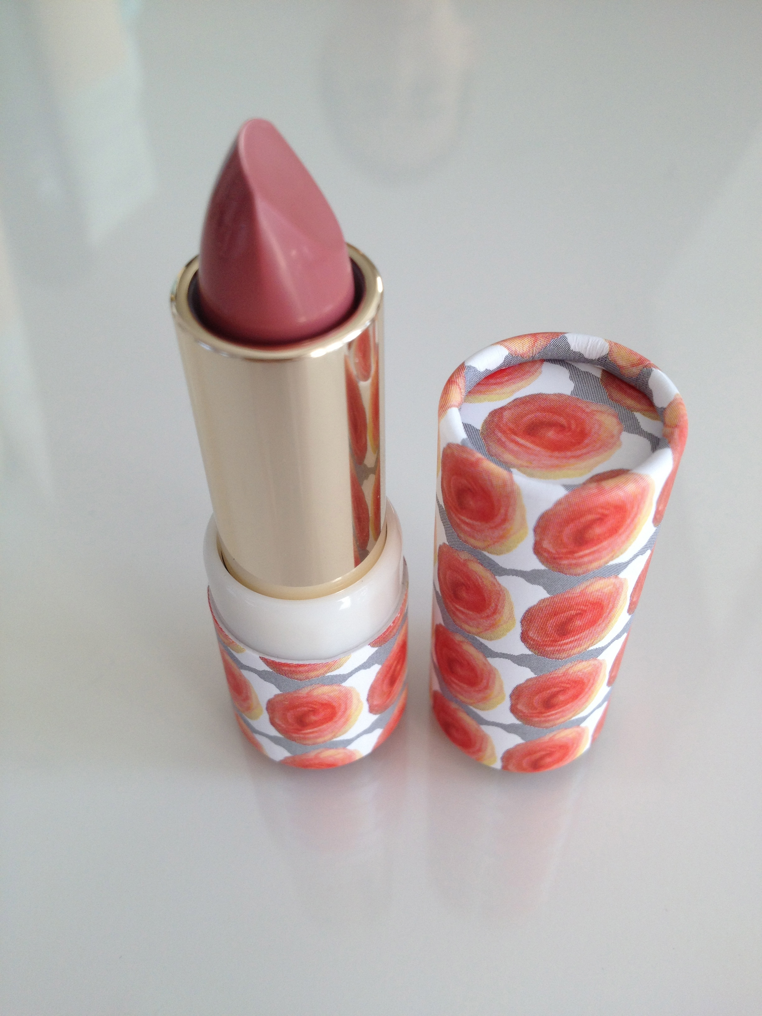 Lipstick - shade 207 in 'Far, far away' packaging