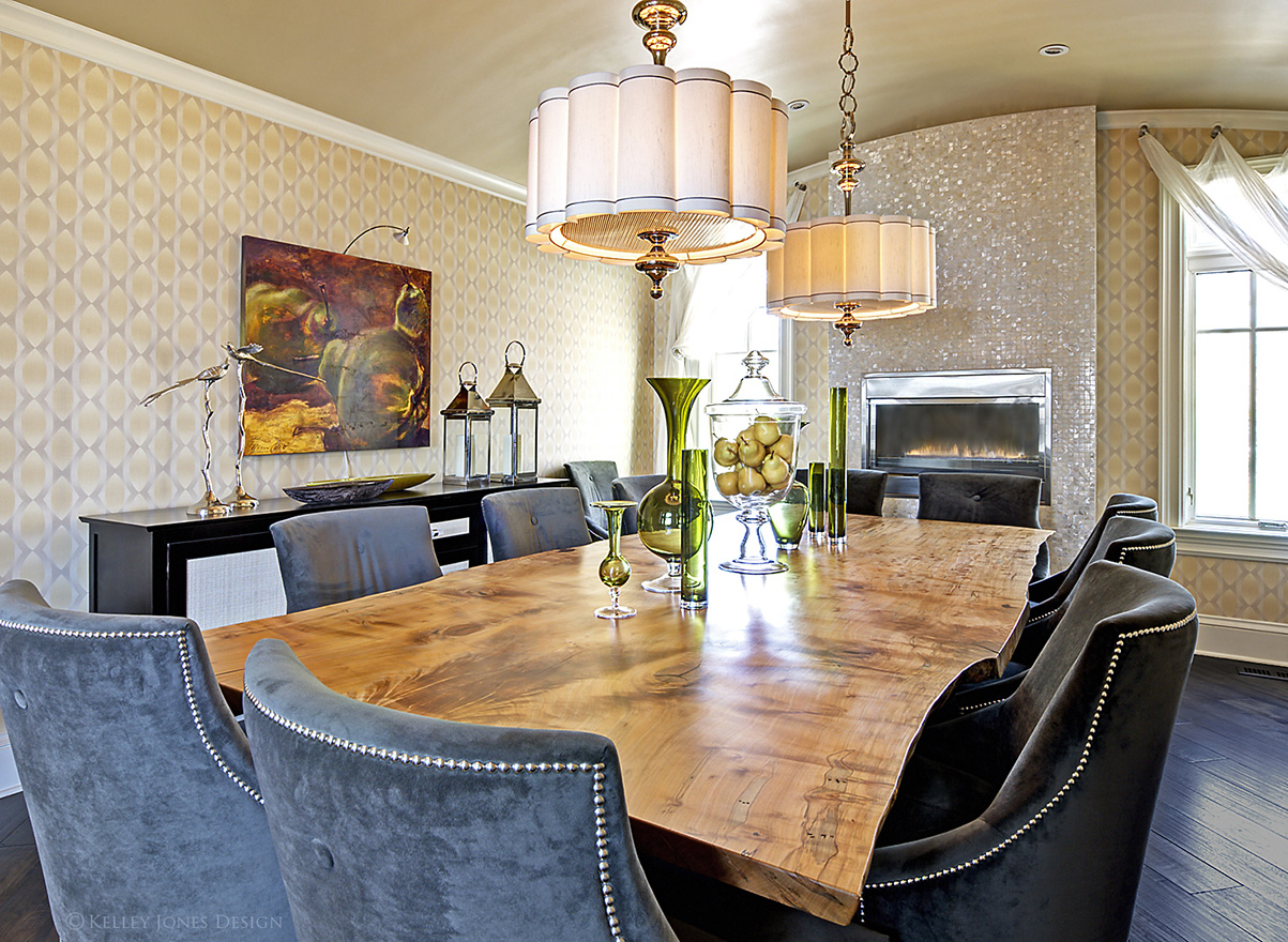 19_Lake-House_Design_Dining-Room_Live-Edge-Table_DLJ5556.jpg