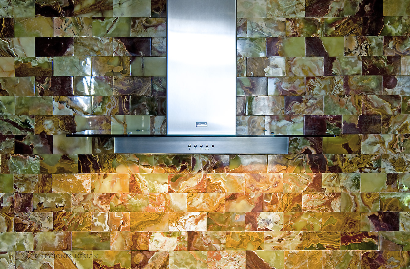 Downtown_Memphis_Condominium_Kitchen_Design_Onyx_Backsplash_D2X0178.jpg