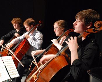 The Cello Seminar cello ensemble (2010) Photo by Susan Alancraig