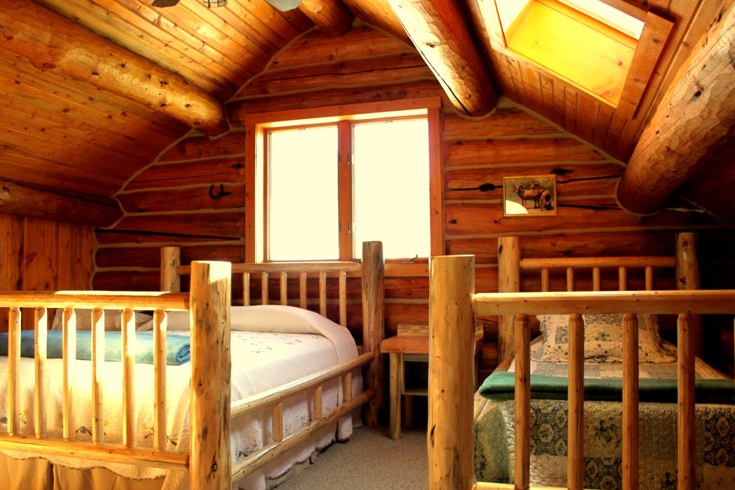 lodging - Double Diamond X Ranch can accommodate around 45 guests throughout 10 rustic, beautifully appointed guest cabins. The Ranch also hosts events such as weddings and reunions.