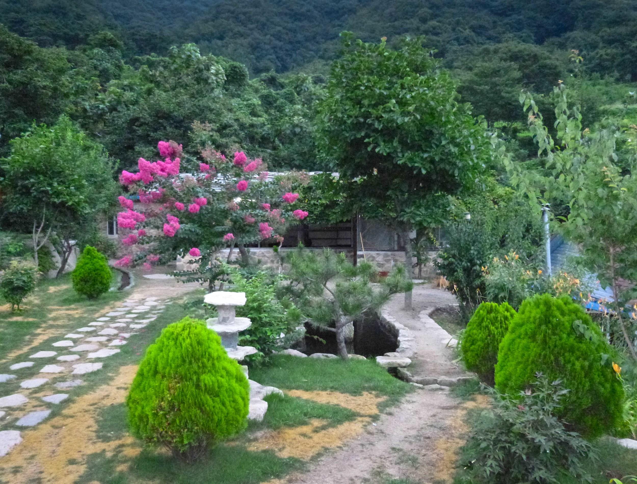 chodangbang yard.jpg