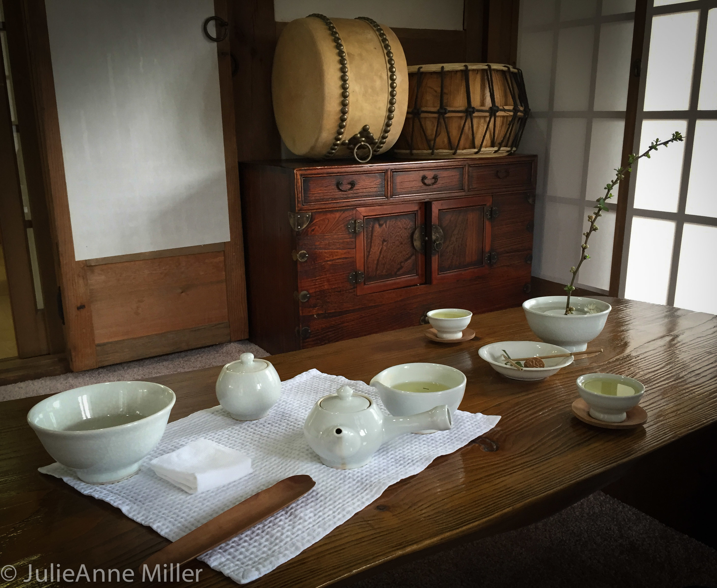 table for two, Suncheon tea house, Korea