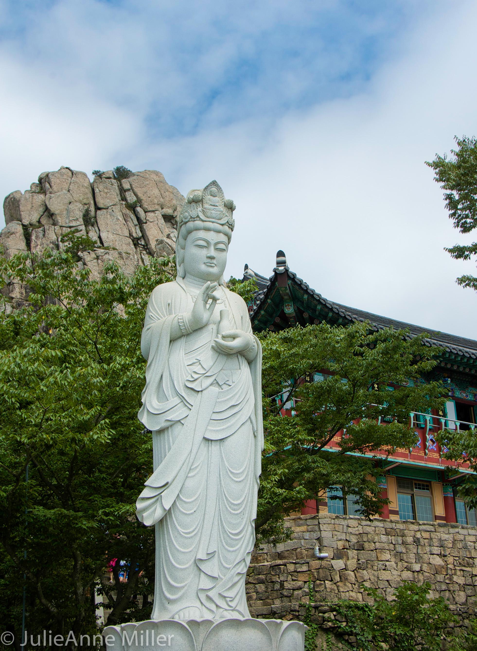 Boriam Temple, Hallyeohaesang