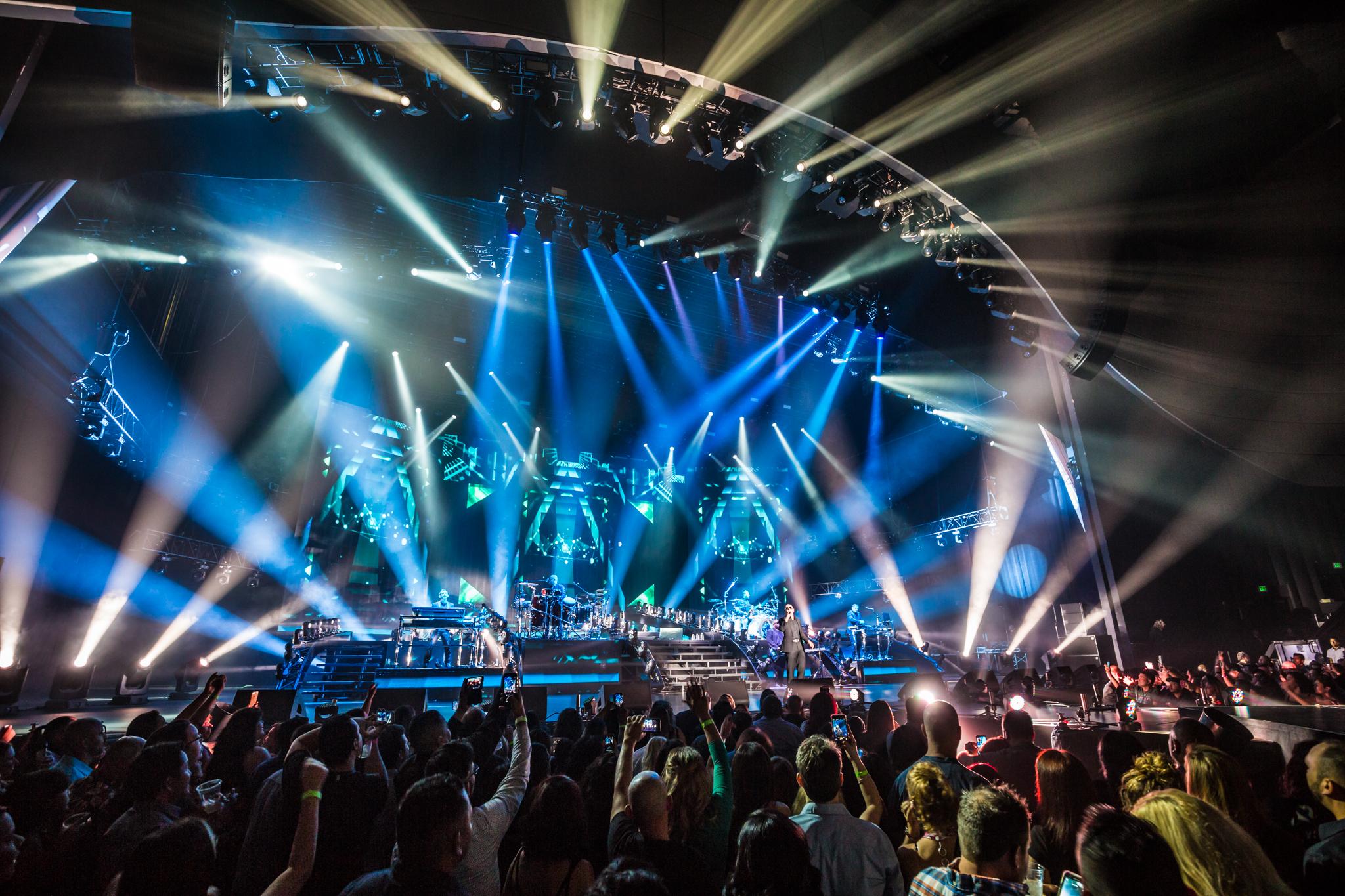 Pitbull_Vegas_ALIVEcoverage-8.jpg