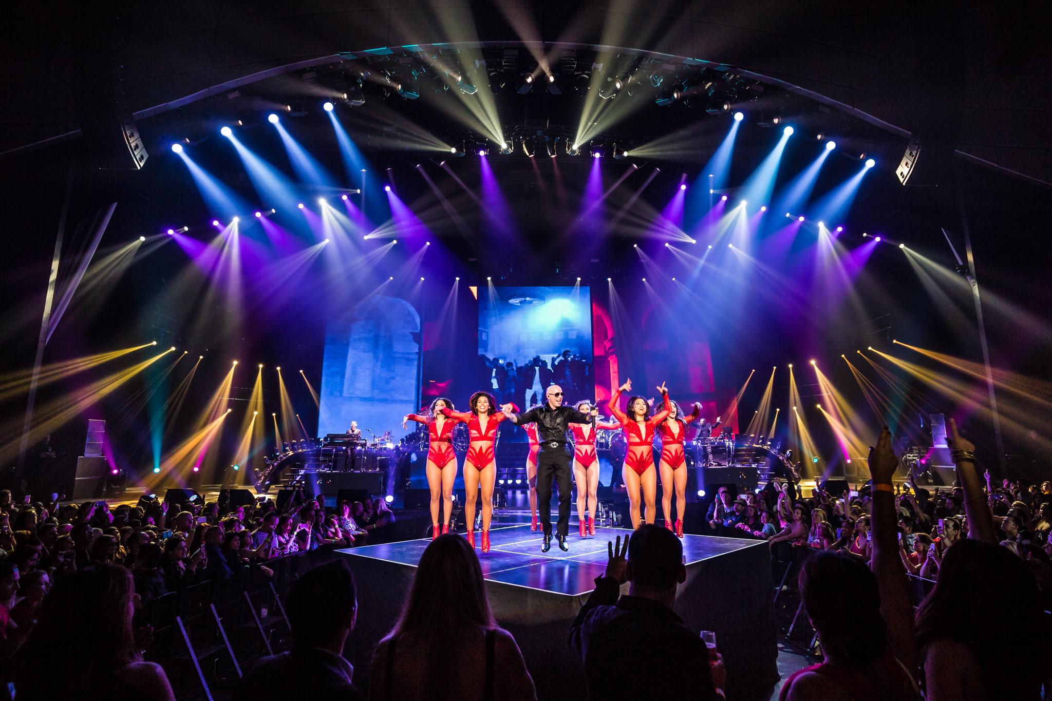 Pitbull_Vegas_ALIVEcoverage-22.jpg
