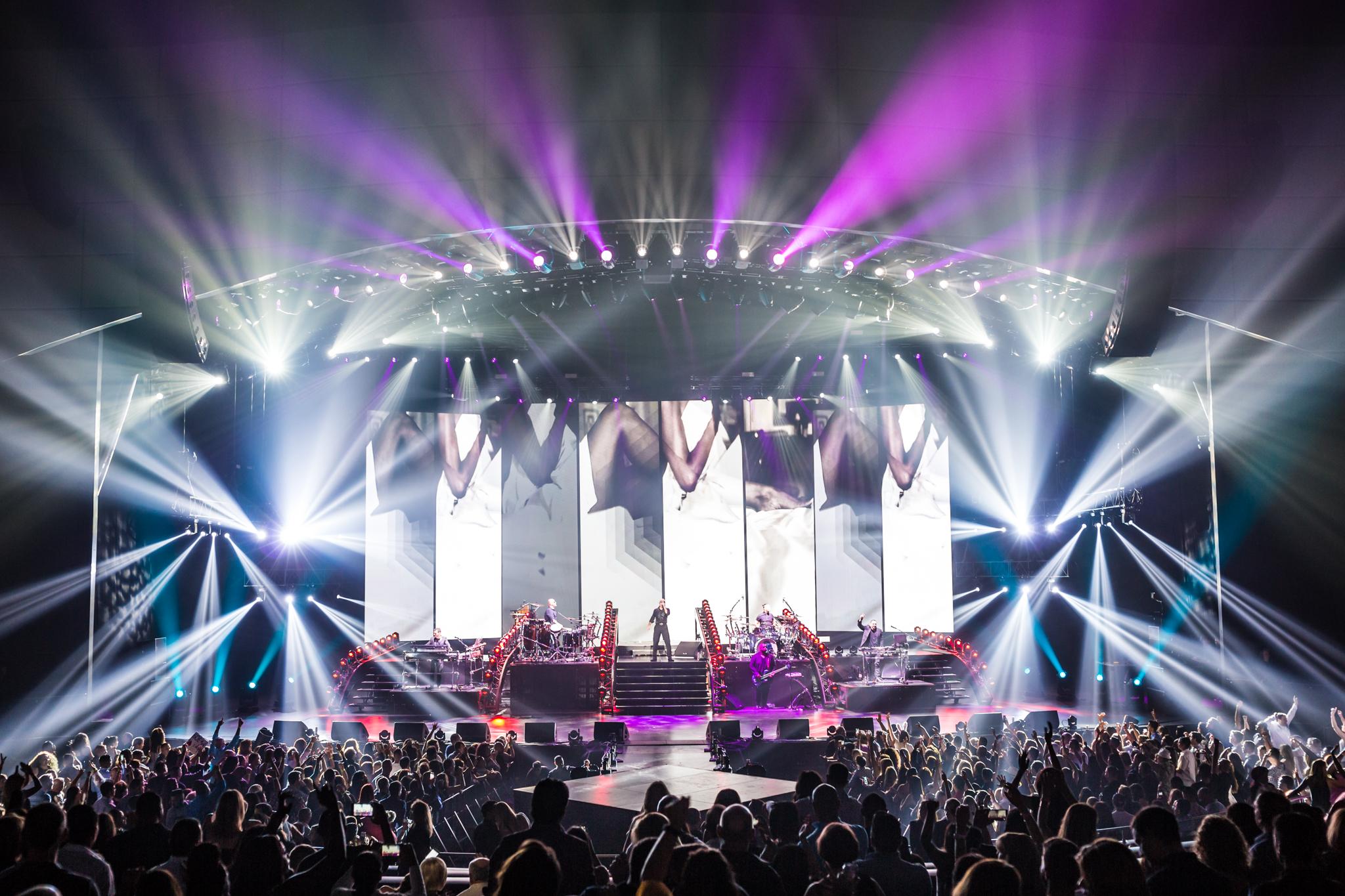 Pitbull_Vegas_ALIVEcoverage-23.jpg
