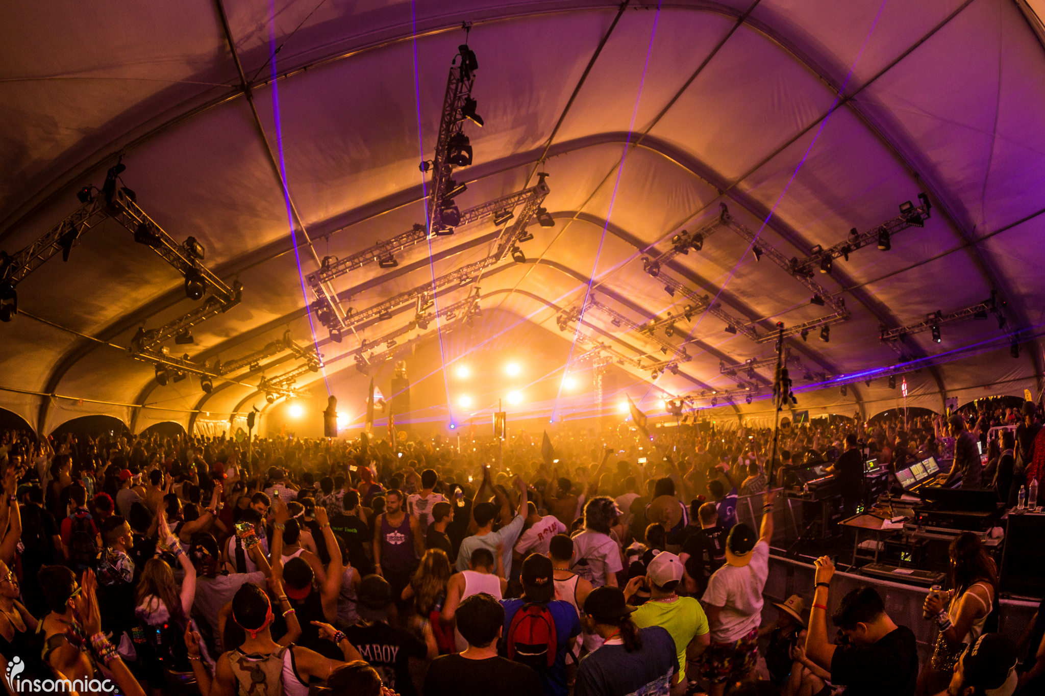 nocturnal_2015_iwally_alivecoverage-4.jpg
