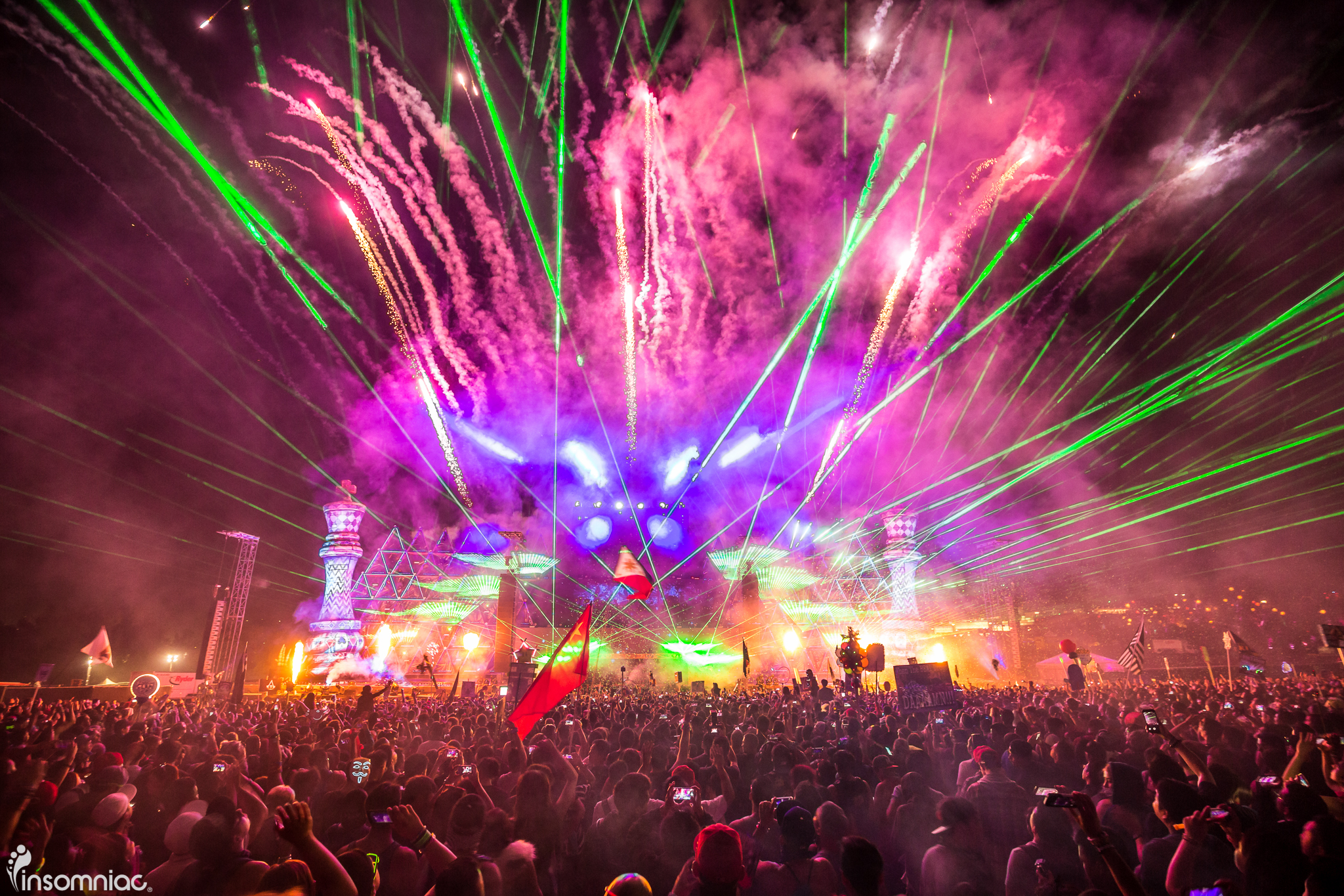 nocturnal_2015_iwally_alivecoverage-5.jpg