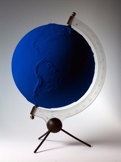Globe terrestre bleu (RP 5), 1961.png