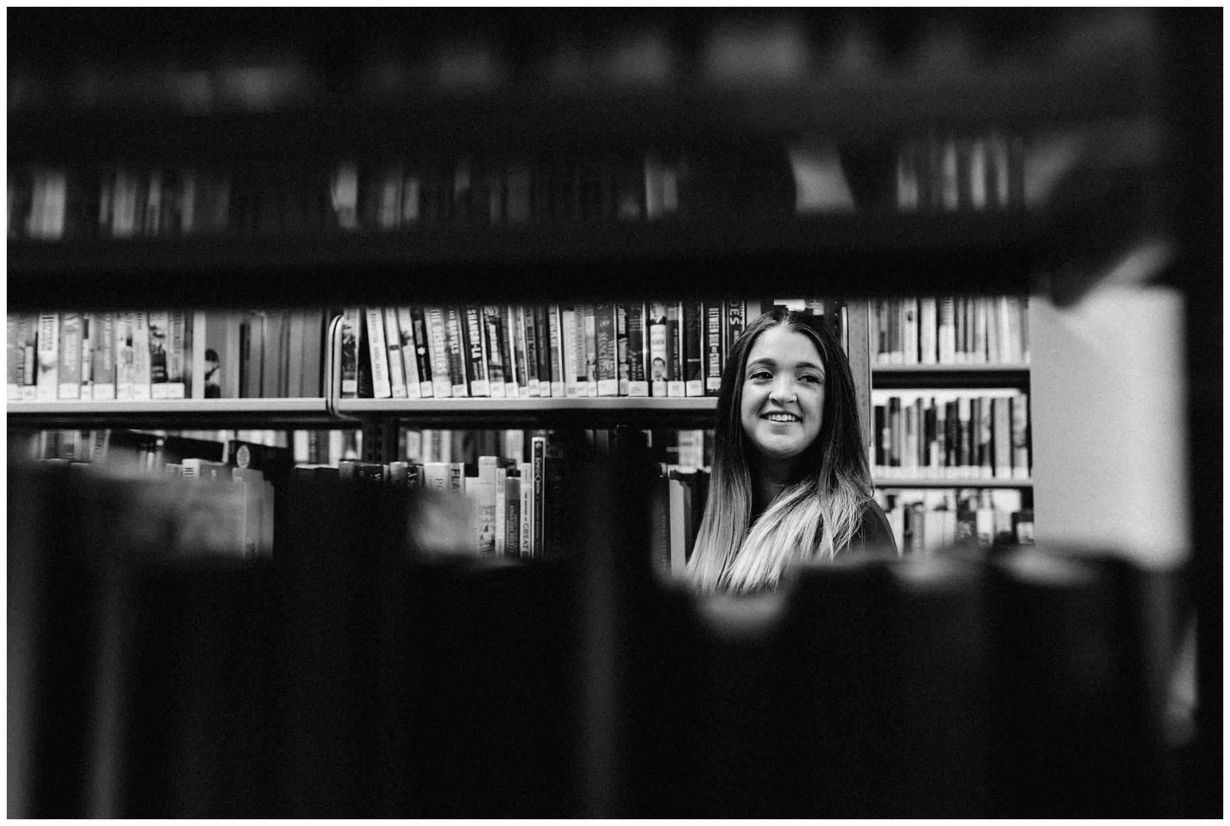 Makayla Madden Photography Boise, Idaho Senior, Boudoir, and Wedding Photographer Senior Girl Class of 2017 Library Books Eagle