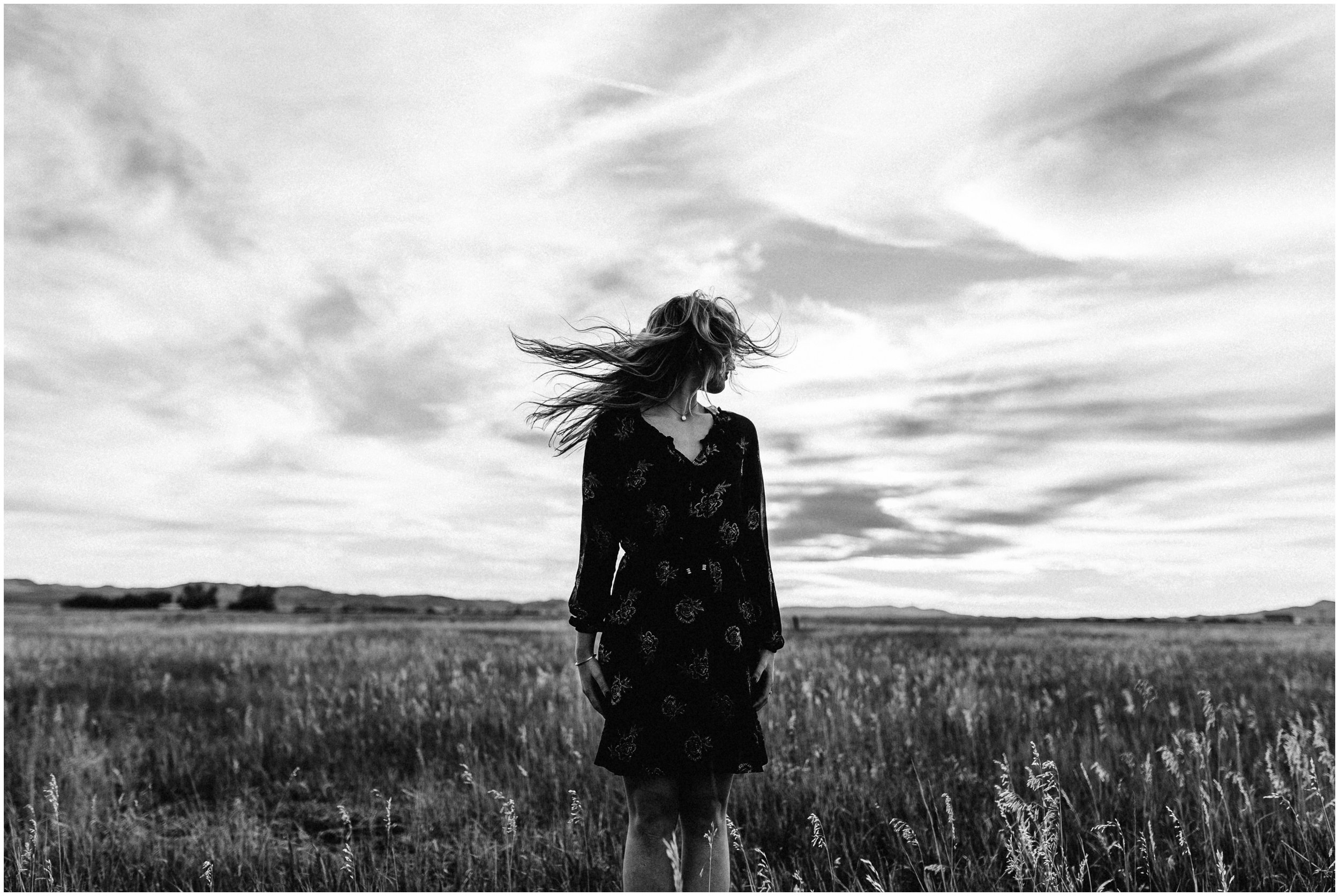 Makayla Madden Photography Boise Senior Photographer Idaho Fairfield Wheat Field Floppy Hat Senior Girl Outfit Ideas and Inspiration Miriam Black and White Hair Swish