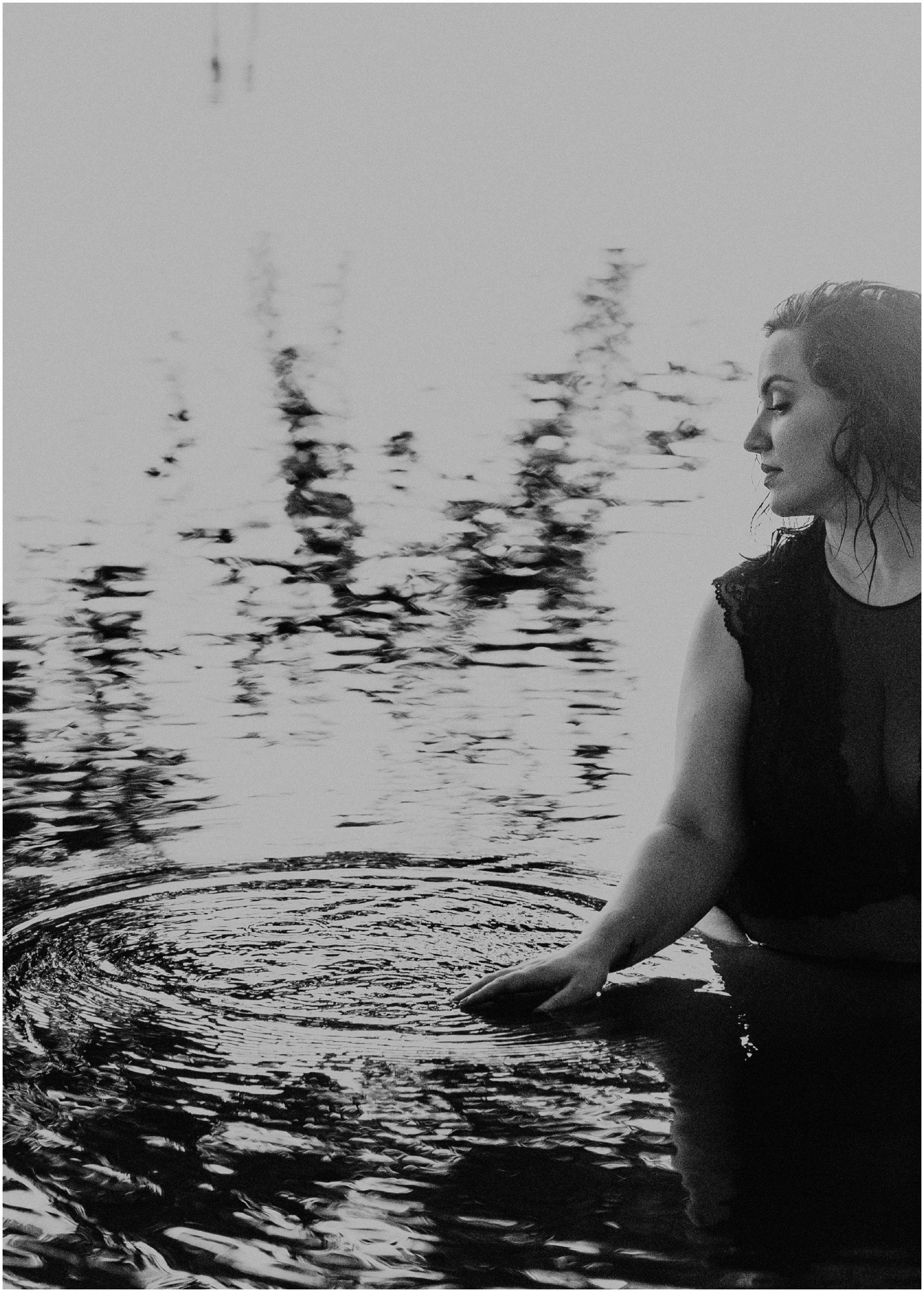 Makayla Madden Photography Boise Idaho Outdoor Boudoir Photographer Boudoir Inspiration Oregon Boudoir Photographer Hipster Boise Hair Makeup Artist Water Lake Boudoir Inspiration Reflections