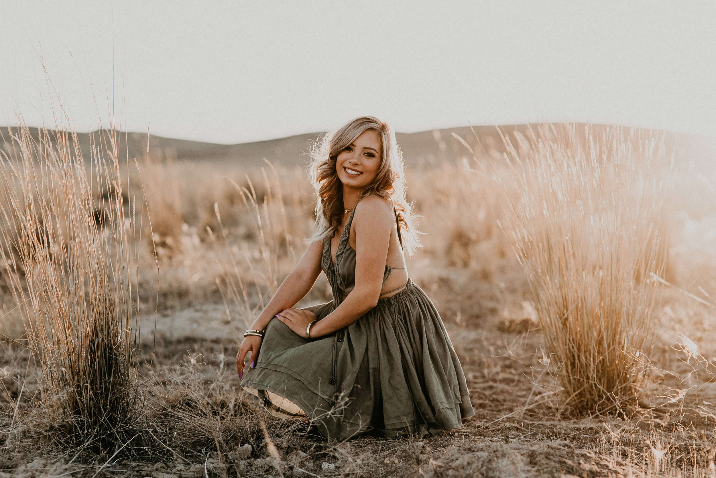 Boise Idaho Senior Photographer Boho Senior Pictures Summer Fun Senior Session Styling Ideas Tips Advice Senior Girl Fun Portraits Free People Summer Dress