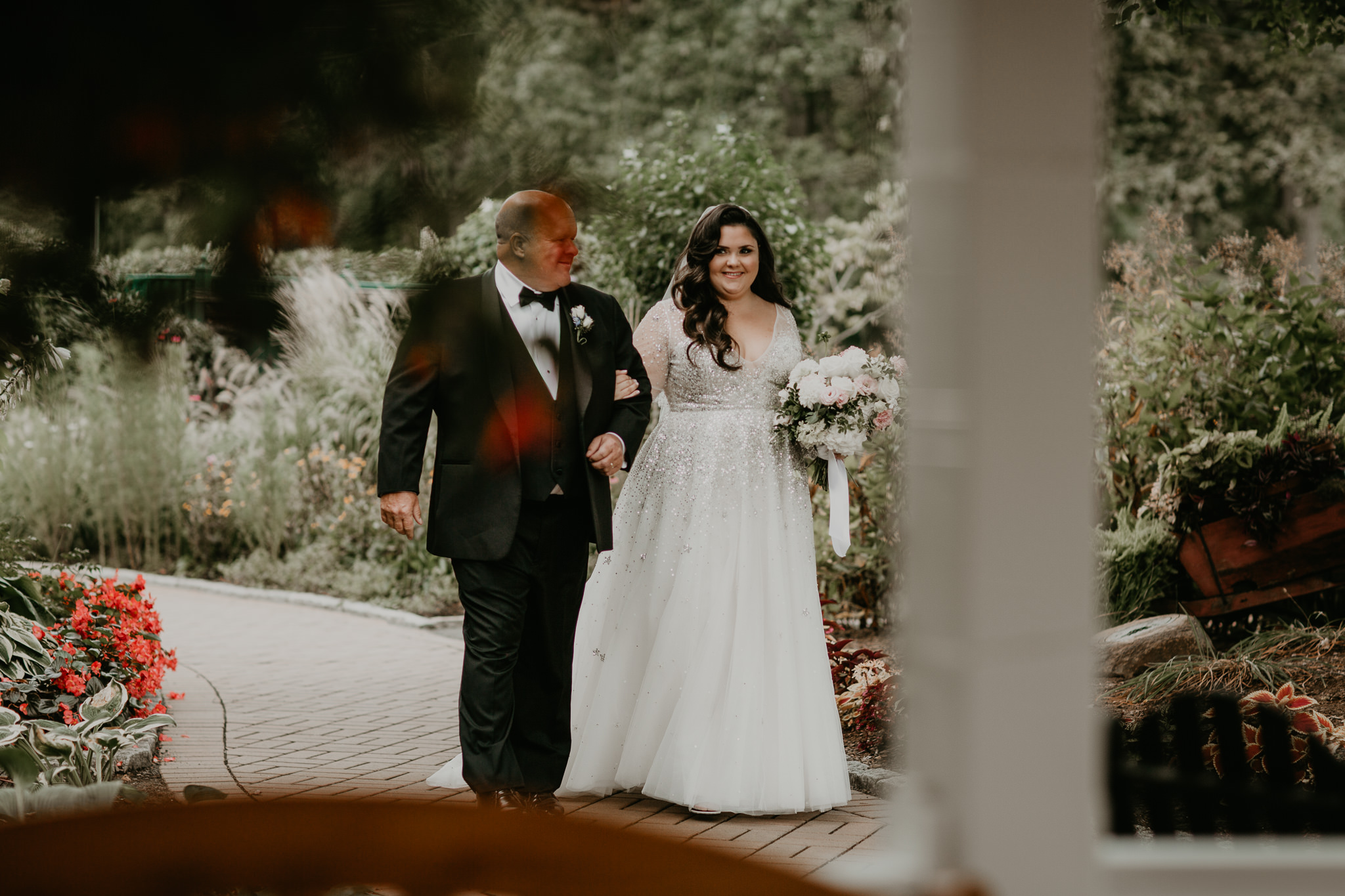 H+A_Hartford_Connecticut_RoseGarden_Wedding020.jpg