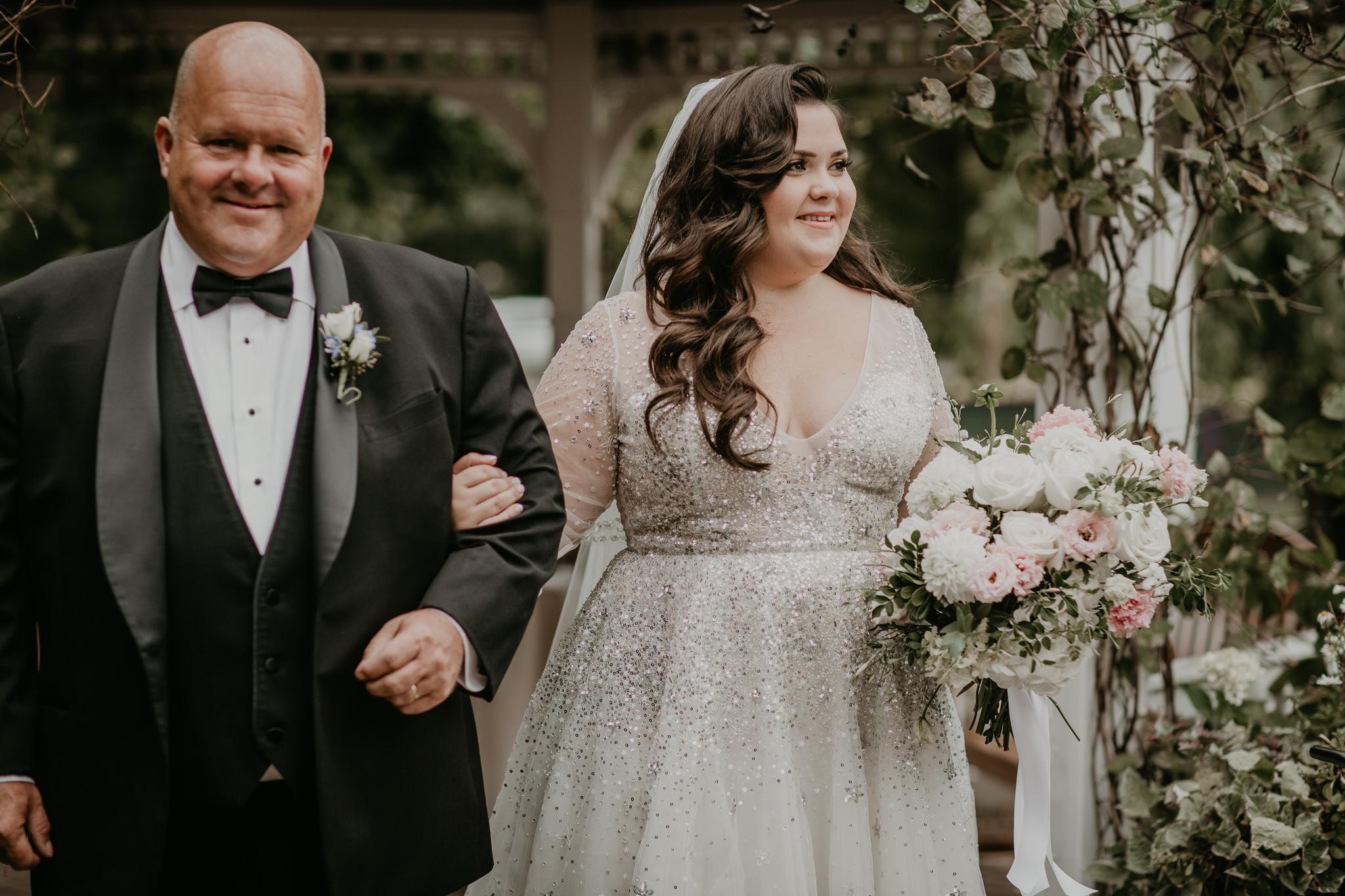 H+A_Hartford_Connecticut_RoseGarden_Wedding021.jpg