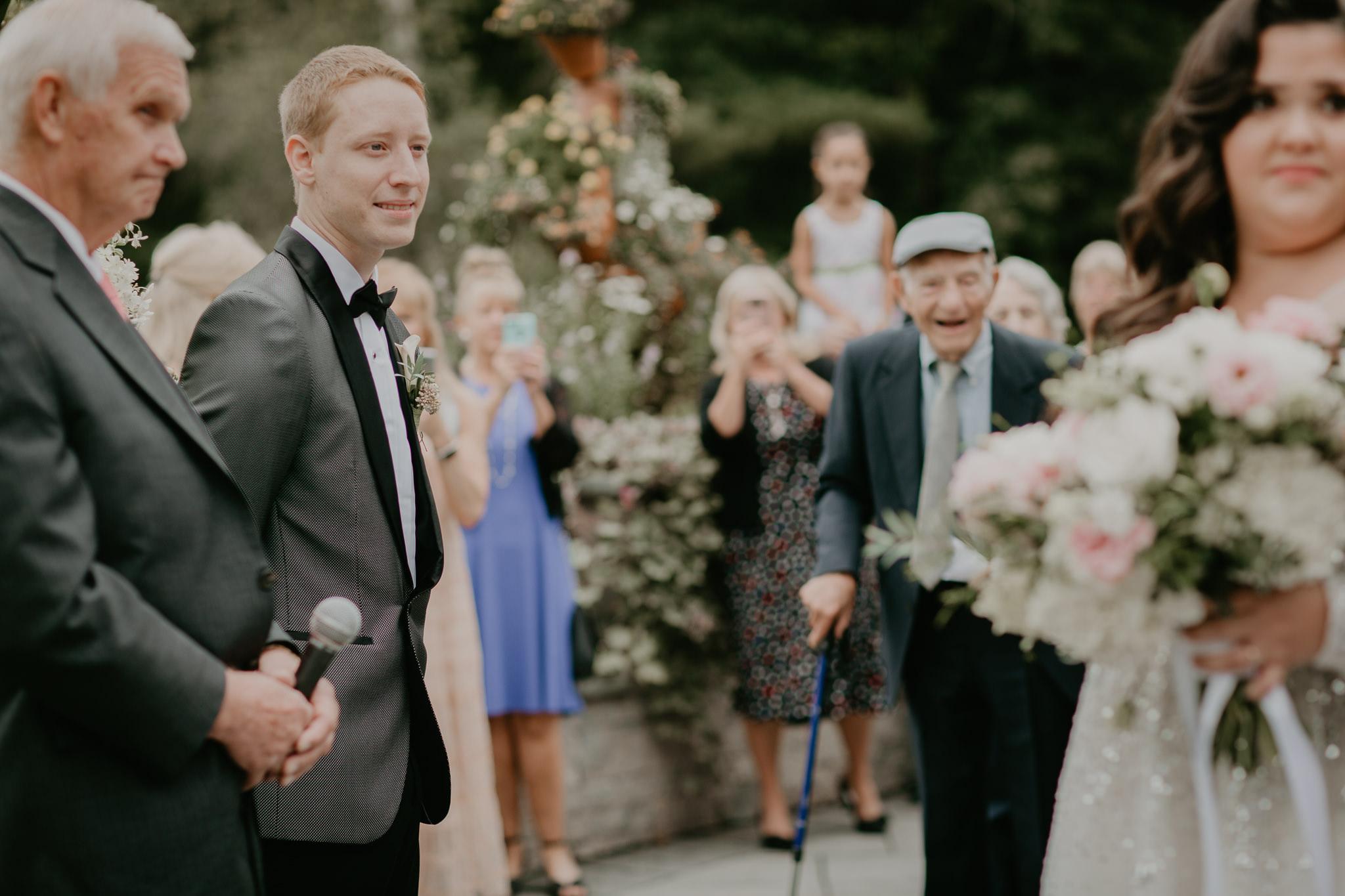 H+A_Hartford_Connecticut_RoseGarden_Wedding022.jpg