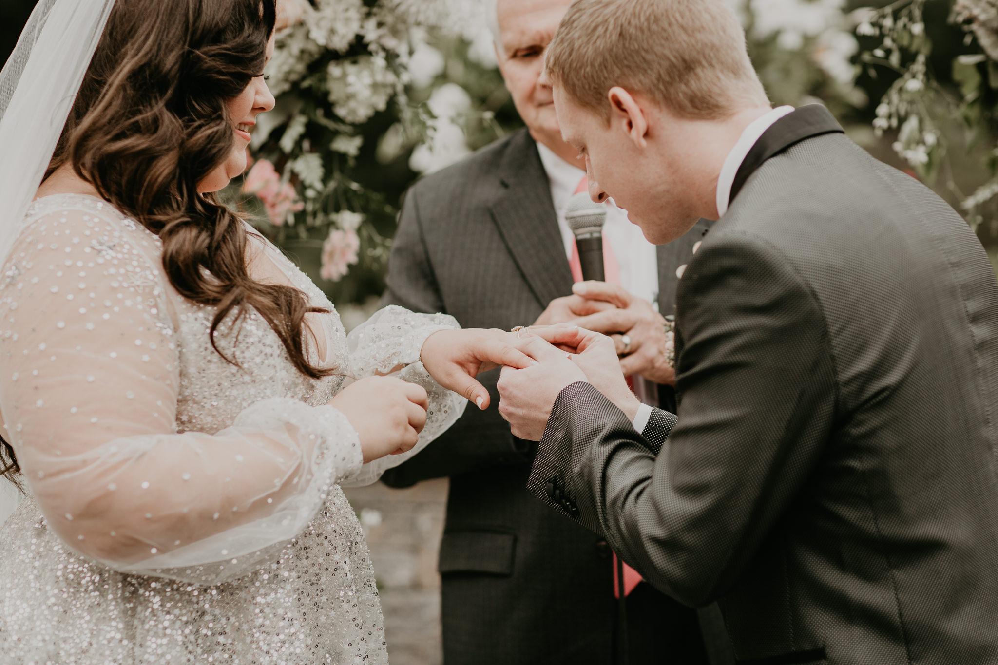 H+A_Hartford_Connecticut_RoseGarden_Wedding025.jpg