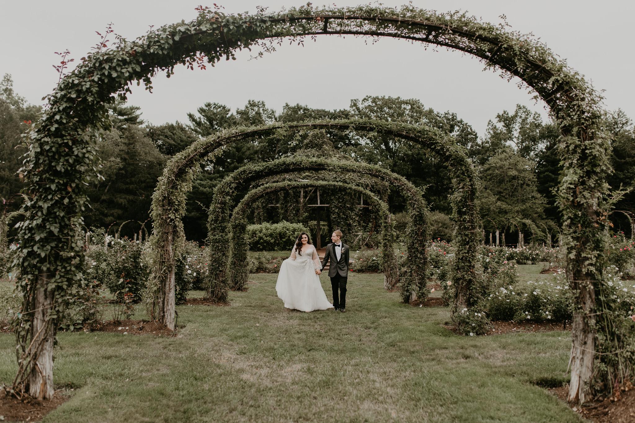H+A_Hartford_Connecticut_RoseGarden_Wedding035.jpg
