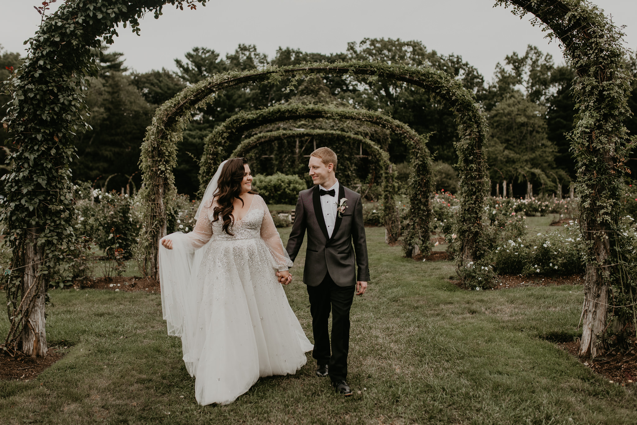 H+A_Hartford_Connecticut_RoseGarden_Wedding036.jpg