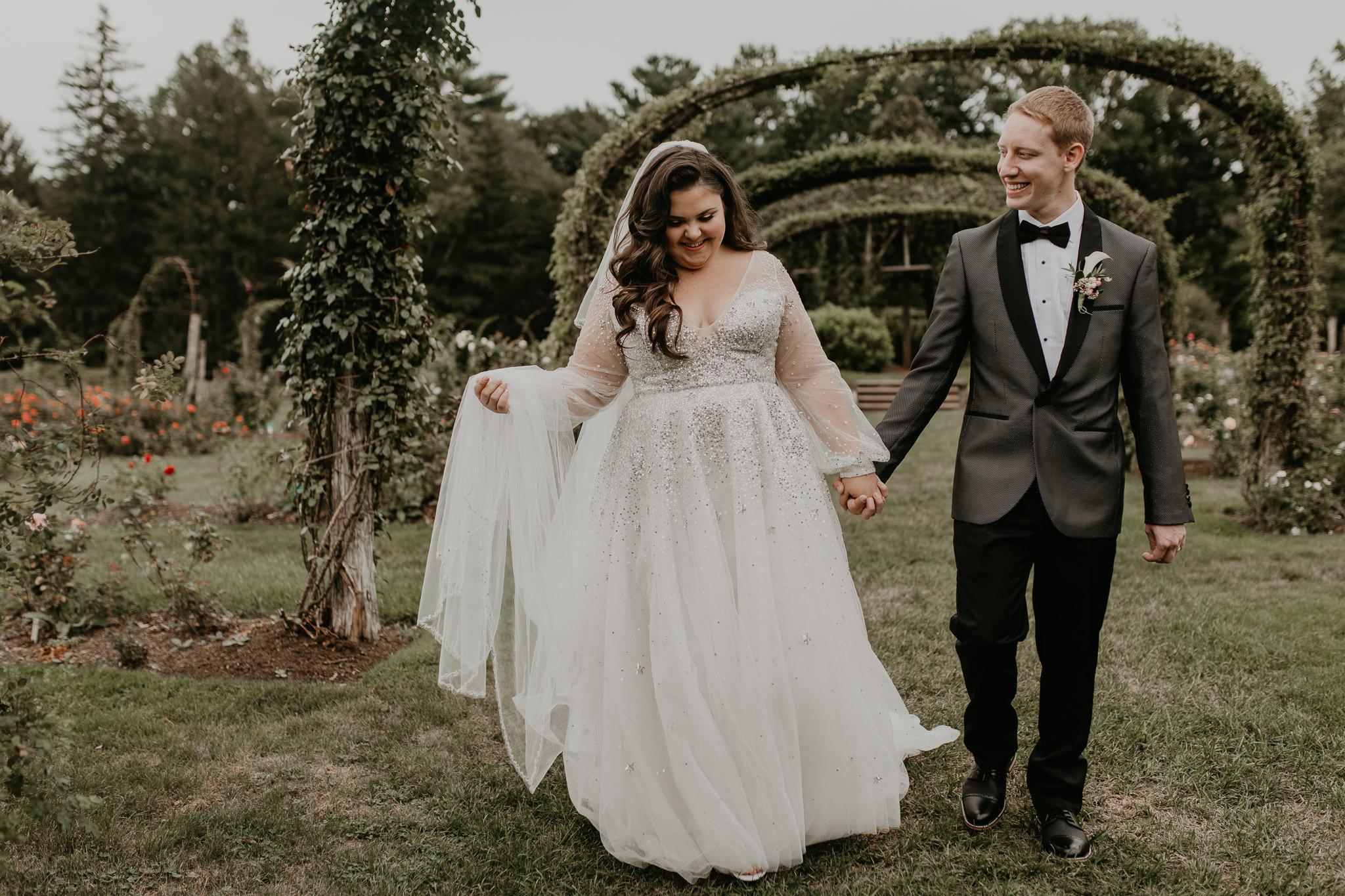 H+A_Hartford_Connecticut_RoseGarden_Wedding037.jpg