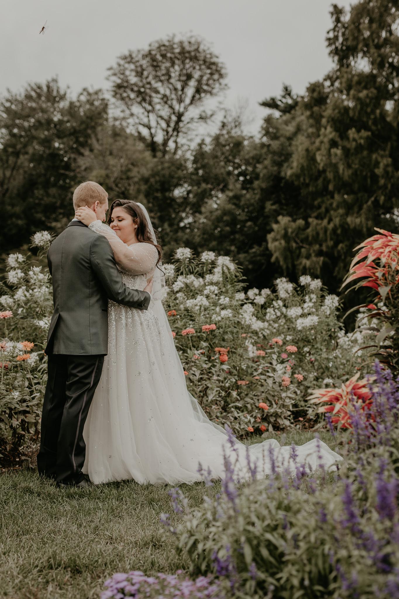H+A_Hartford_Connecticut_RoseGarden_Wedding040.jpg