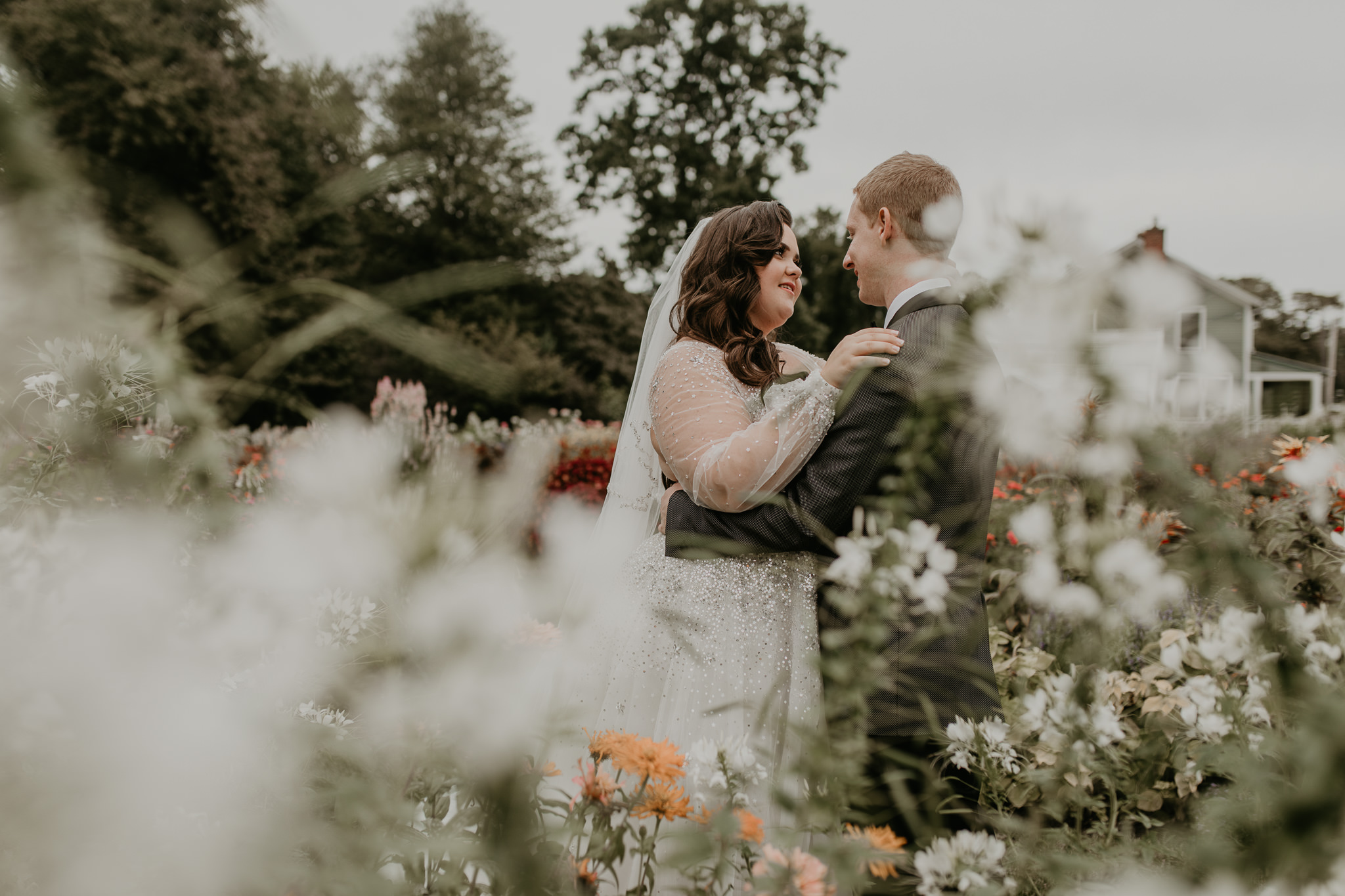 H+A_Hartford_Connecticut_RoseGarden_Wedding041.jpg