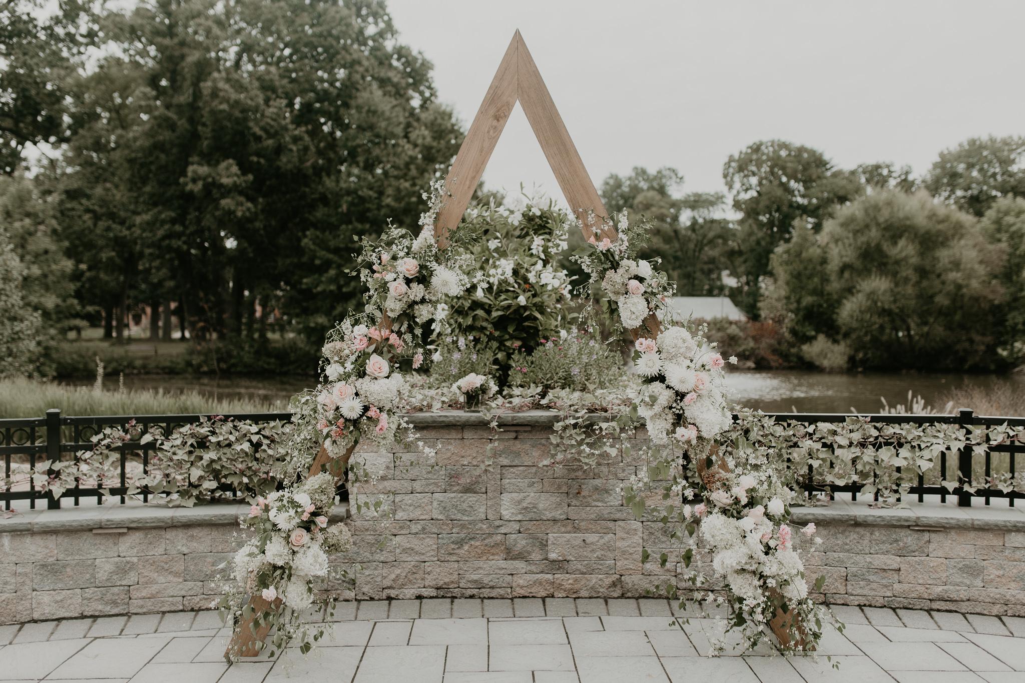 H+A_Hartford_Connecticut_RoseGarden_Wedding066.jpg