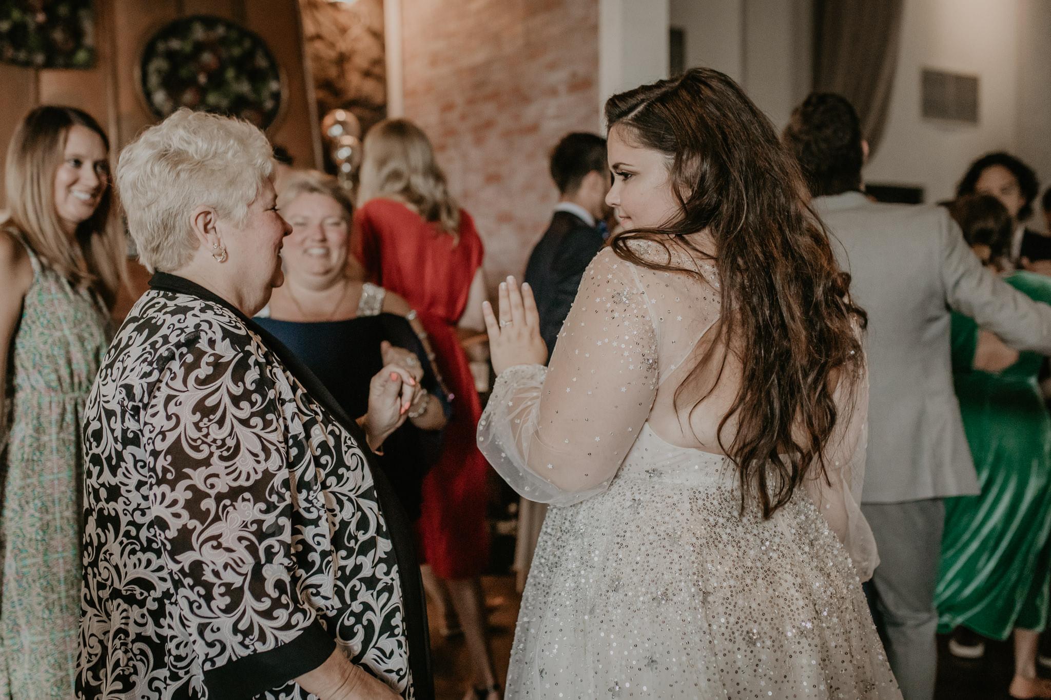 H+A_Hartford_Connecticut_RoseGarden_Wedding074.jpg