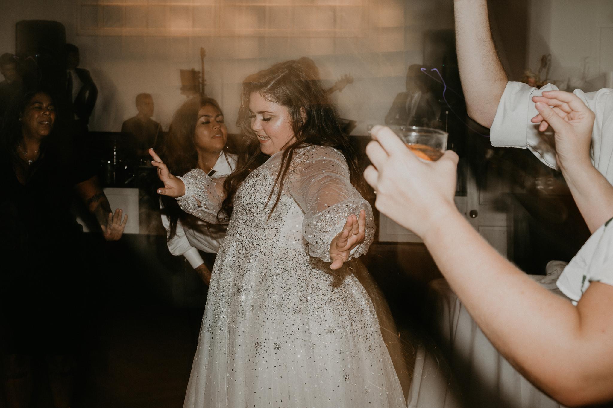 H+A_Hartford_Connecticut_RoseGarden_Wedding092.jpg