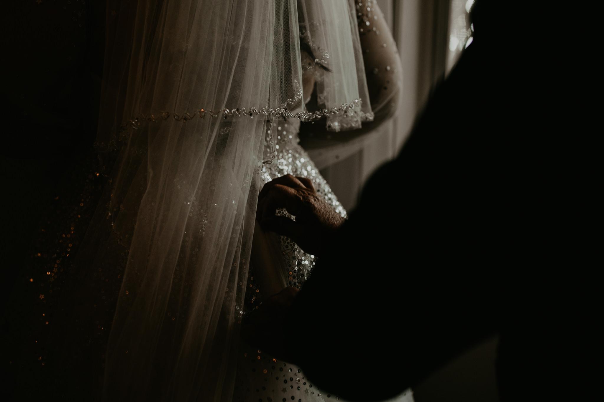 H+A_Hartford_Connecticut_RoseGarden_Wedding004.jpg