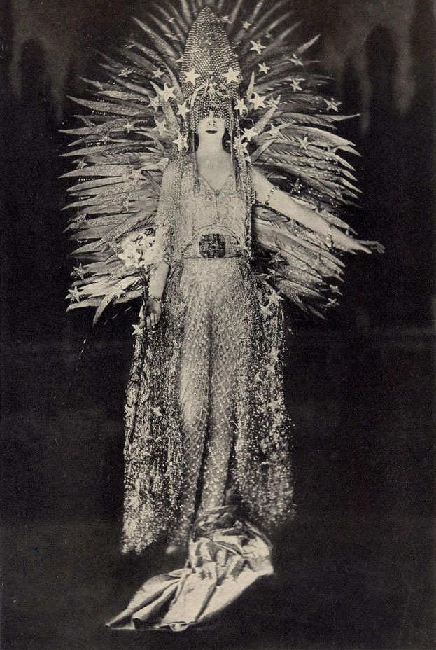 scandalous-dresses-15.nocrop.w1800.h1330.2x.jpg