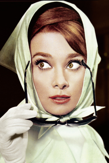 audrey_hepburn_6532_north_382x_white.jpg