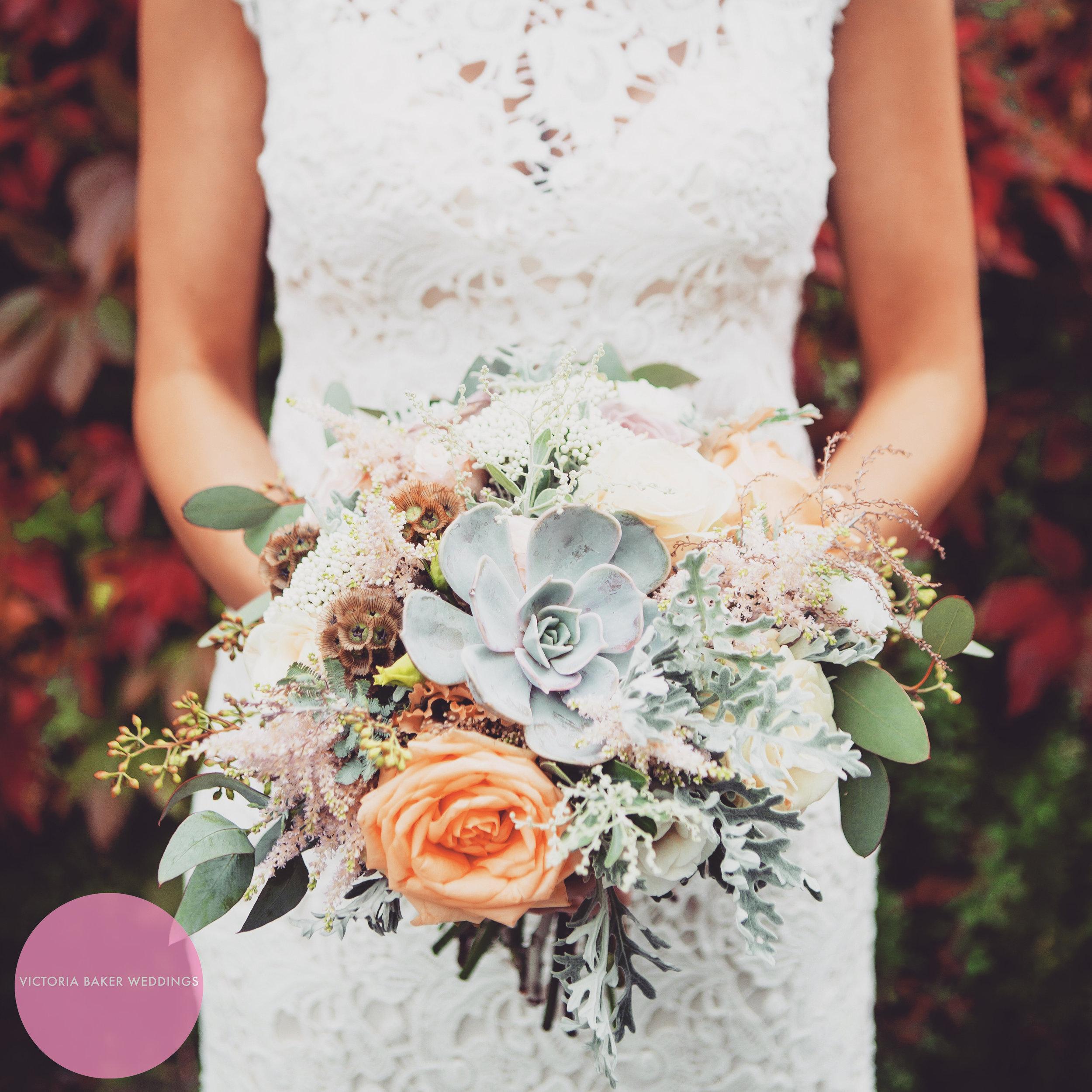 Best Wedding Photographs 2016 - Jenna bridal bouquet