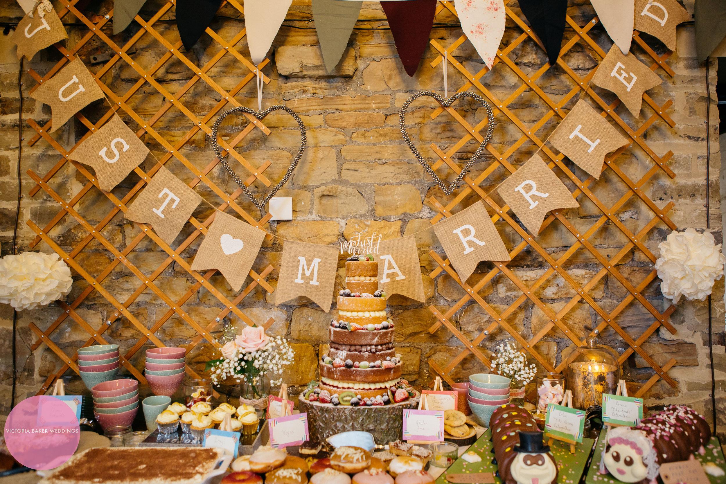Wedding cake, cake table wedding | Wedding Photography Leeds