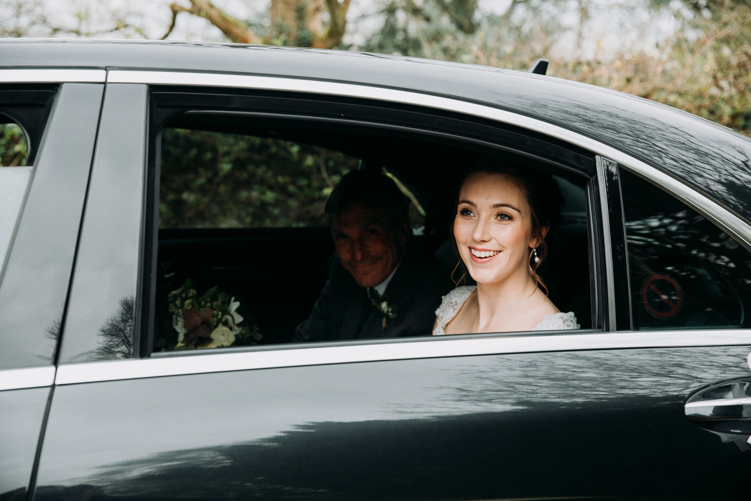 Hannah arriving at Old Luxter's Barn at The Chilterns wedding