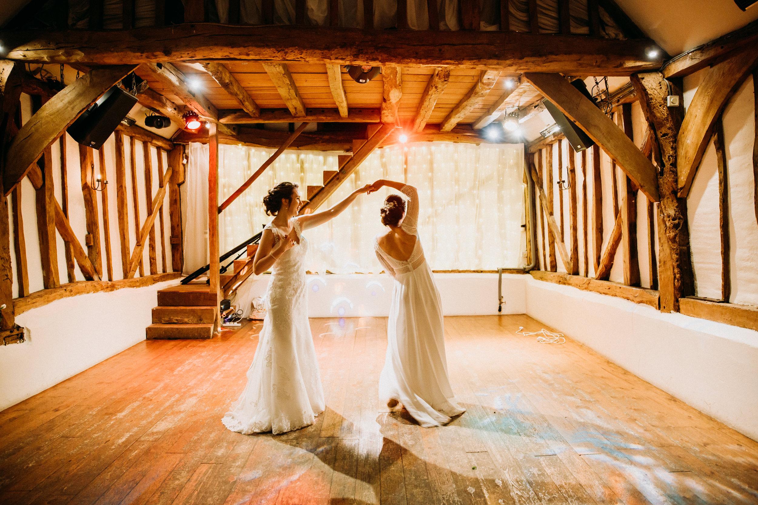 First Dance at Chiltern wedding