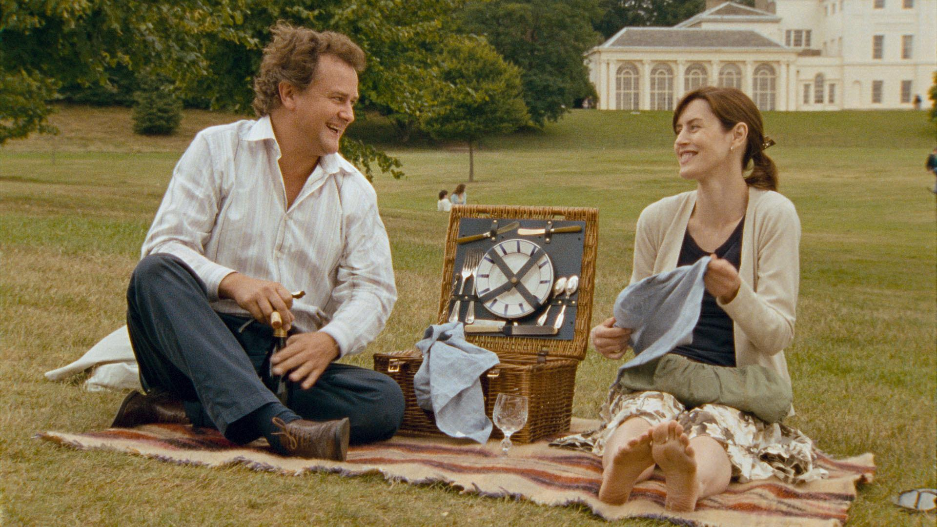 still-of-hugh-bonneville-and-gina-mckee-in-scenes-of-a-sexual-nature-(2006)-large-picture.jpg