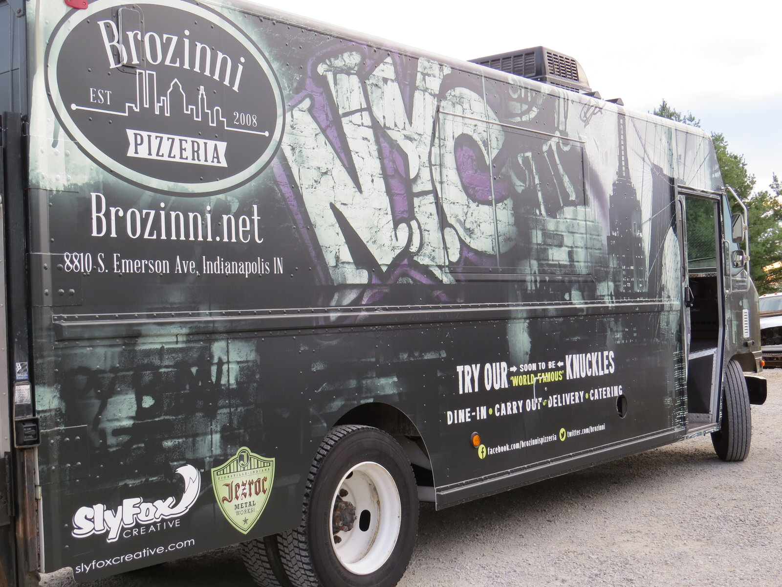 Brozinni_Pizzeria_truck-0135.JPG