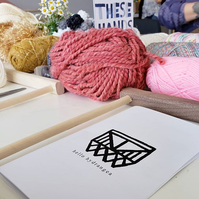 So happy I got to attend this weaving workshop taught by @hellohydrangea. Thank you @thesehandscollective for organizing! 🤩❤🙌