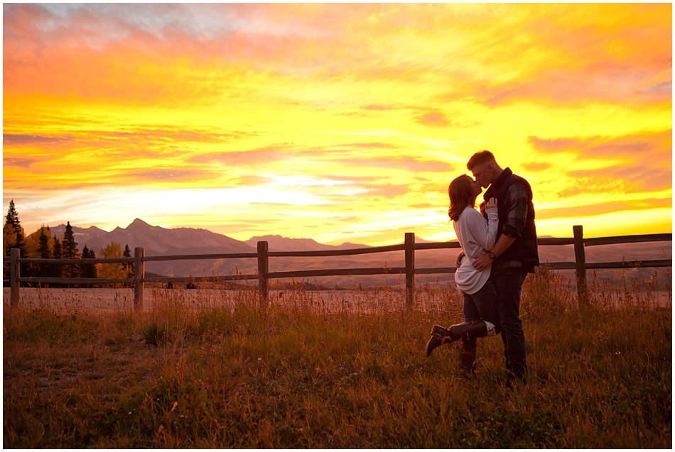 colorodo-outdoor-mountain-wedding.jpg