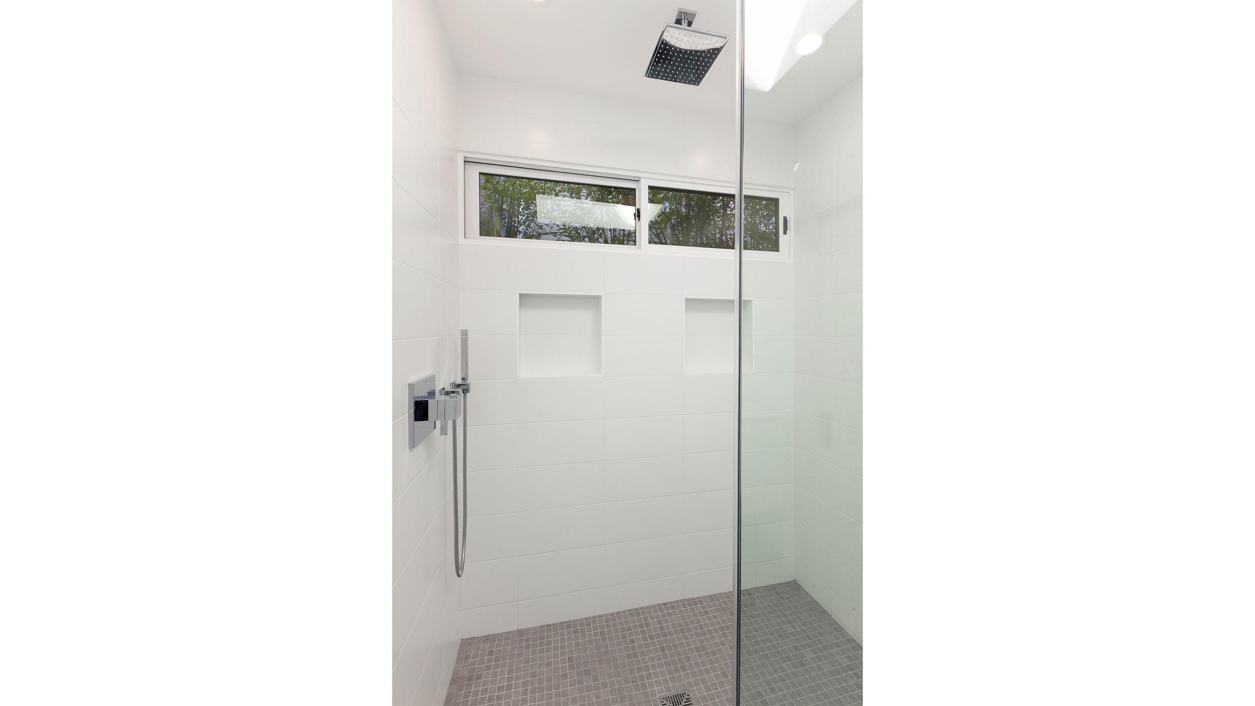 318Hill Shower1.jpg