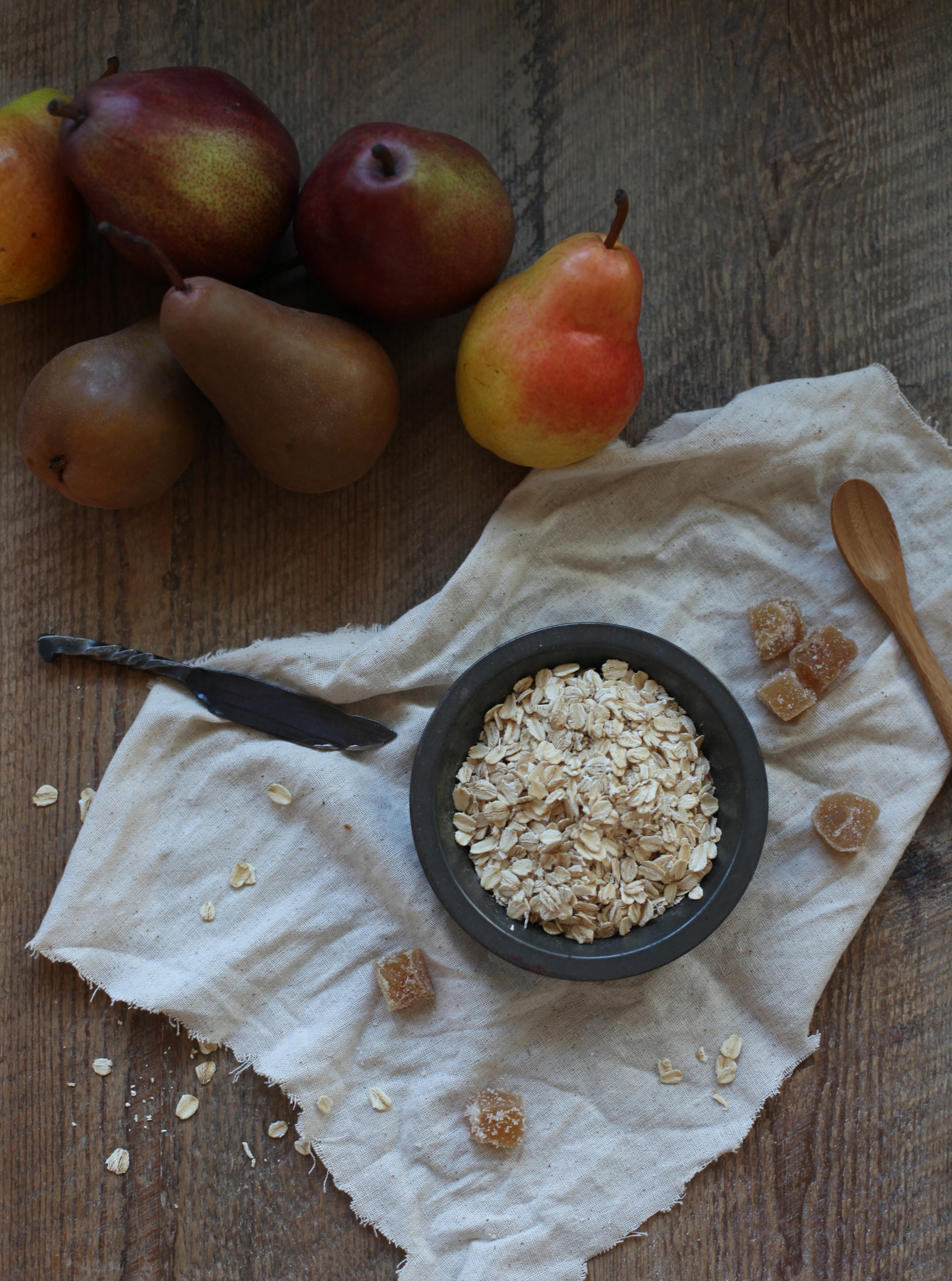 gingersnap crumble with apple and pear by Wit & Aroma