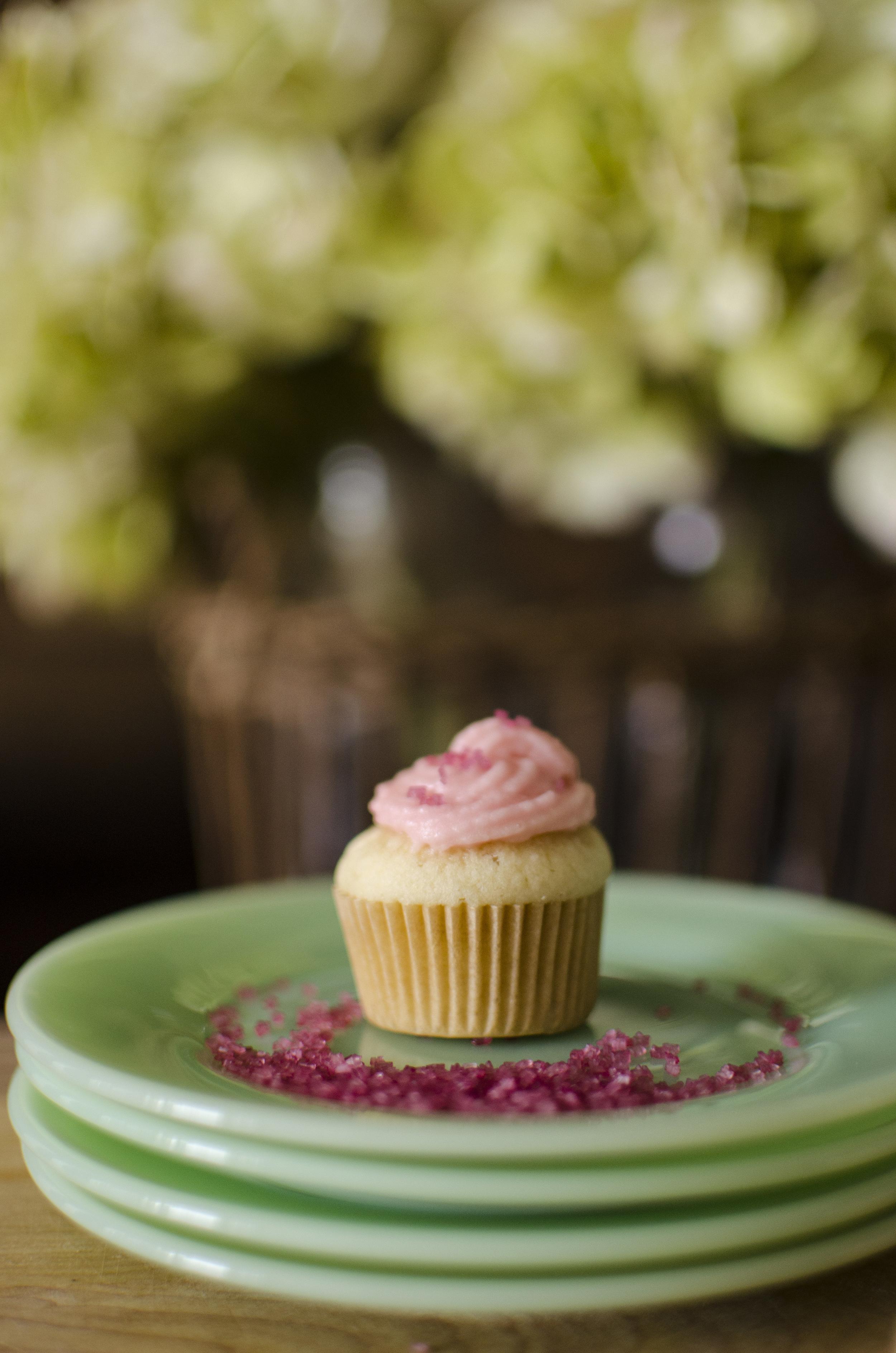wit and aroma vanilla cupcakes