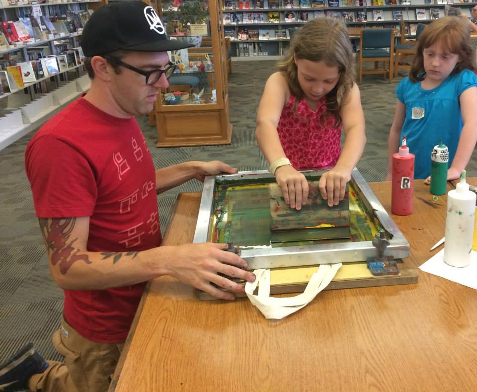 Local designer and printmaker,  Craig Grabhorn , did a series of pop-in screen printing classes at all the neighborhood libraries.