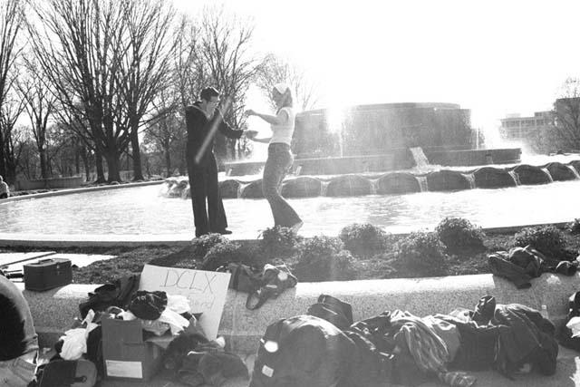 John & Haley danicn on the fountain in Russell Senate Park